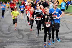 30. Hachenburger Löwenlauf -  9. Lauf Ausdauer-Cup 2016 im Bild der Schülerlauf über 1.800 Meter mit  Severin Schlosser (Nr. 315/TSG Biersdorf), Silas Andrick (Nr. 301/EJOT Team Buschhütten), Flemming Stinner (Nr. 320/DJK Betzdorf).