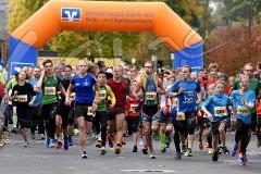 30. Hachenburger Löwenlauf -  9. Lauf Ausdauer-Cup 2016 Start frei zum Lauf über 6,3 Kilometer
