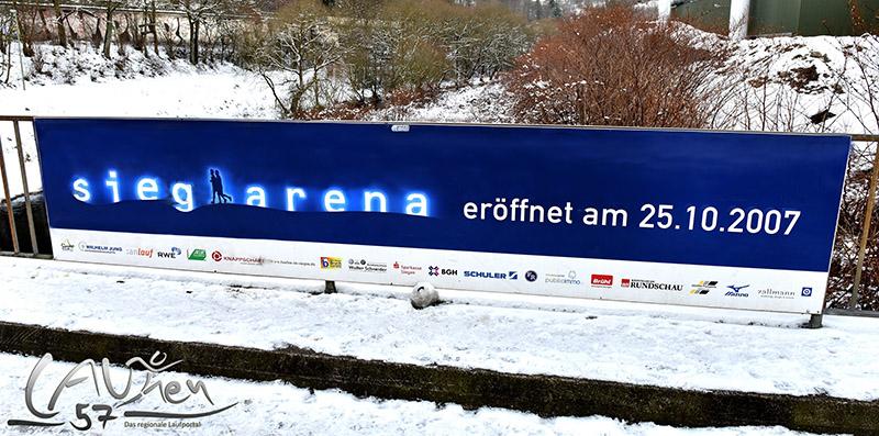 Laufen in Siegen: Hier die sieg-arena, eine 2,2 Kilometer lange innerstädtische Laufrunde, die in den Abendstunden beleuchtet ist und im Winter durch einen Räumdienst von Schnee und Eis befreit wird.